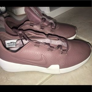 Nike Mauve colored sneakers